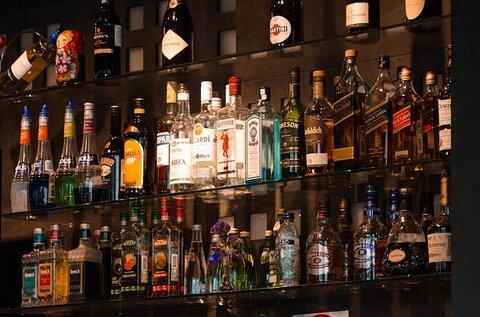 Extra geld in de avonduren aan de bar
