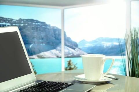 Geld verdienen op reis met laptop