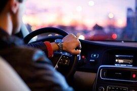 Geld verdienen met reclame op auto