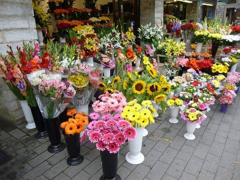 werken in een bloemenwinkel
